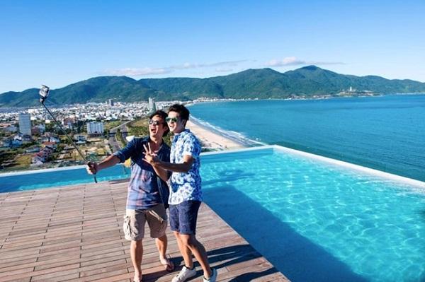 Triệu like cho bể bơi độc đáo tại khách sạn Alacarte Đà Nẵng